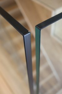 close up of 15mm frameless clear glass for staircase