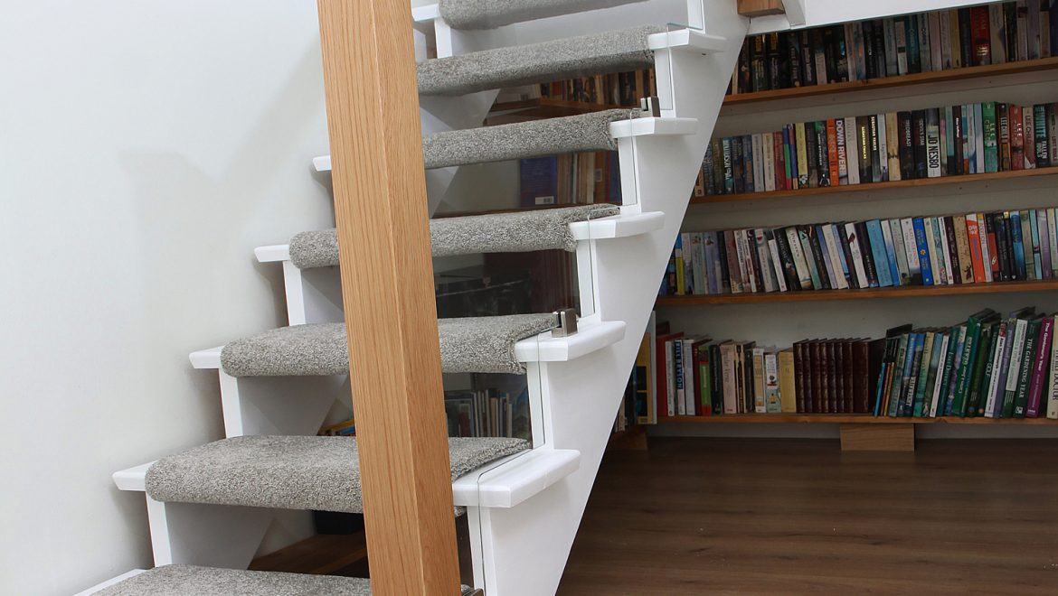 shaped optiwhite low iron glass stairs